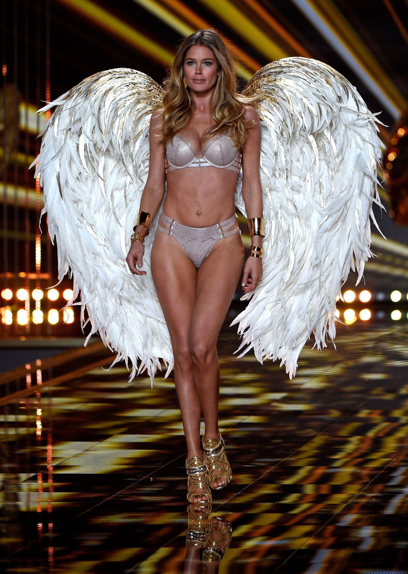 81b76d1ee1f Doutzen Kroes at the Victoria s Secret Fashion Show 2014. Photo  Pascal Le  Segretain Getty Images