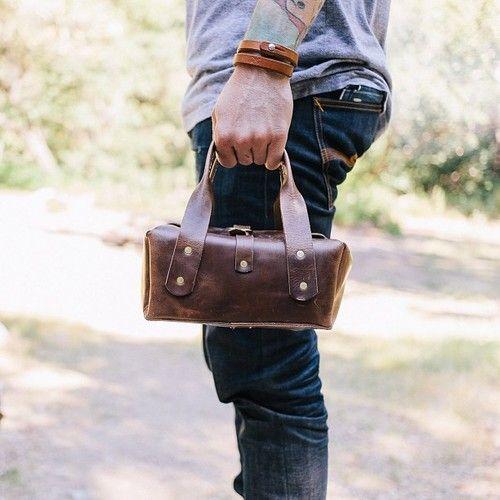 man bag @Marianne Correa Eilbott Coffee Roasters #handsometraveler