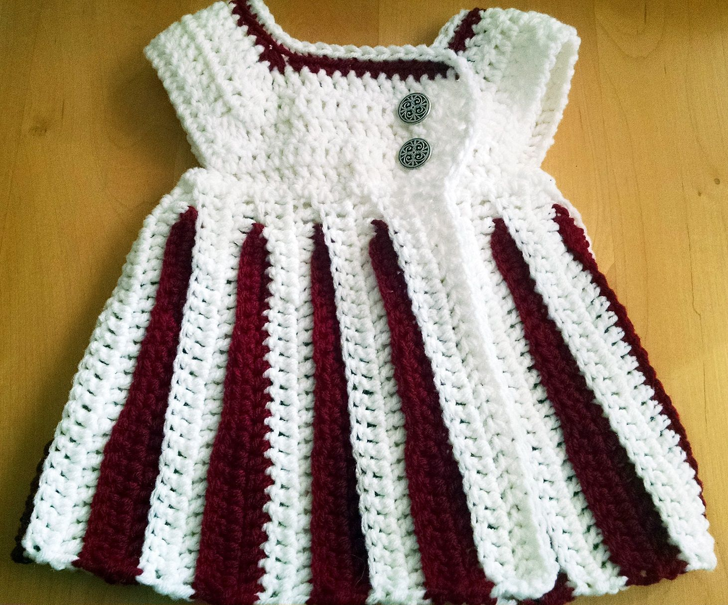 Found this on Ravelry. Eloise pattern. LOVE the color combination ...