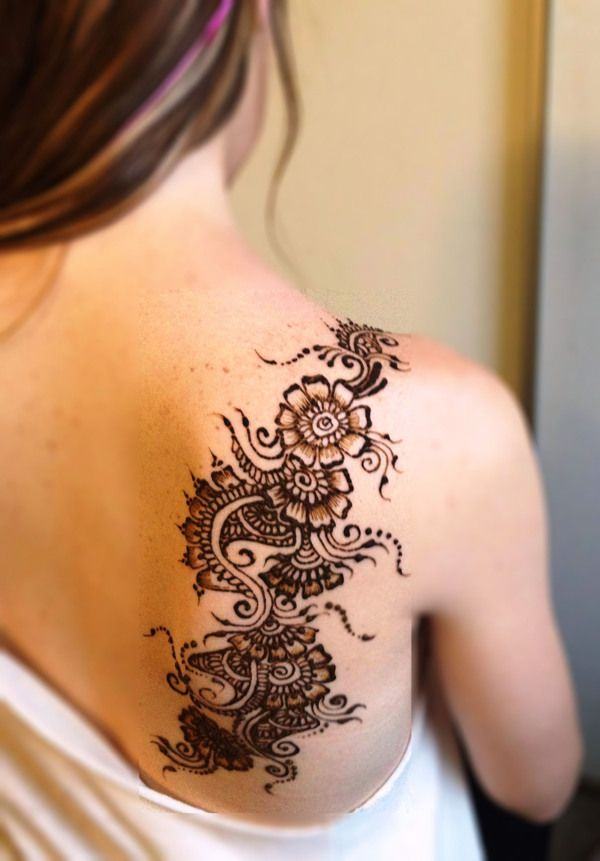 35 Beautiful Henna Tattoo Designs Tat It Up Henna Tattoo