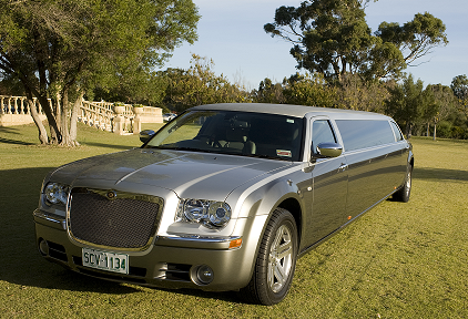 Elaborate Limousines chrysler limo hire perth Bellagio Limousines. Wedding cars perth. http://www.bellagiolimousines.com.au/
