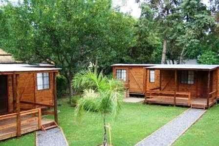 Caba as vagones bungalows alpinas troncos madera piedra - Planos de cabanas de madera ...