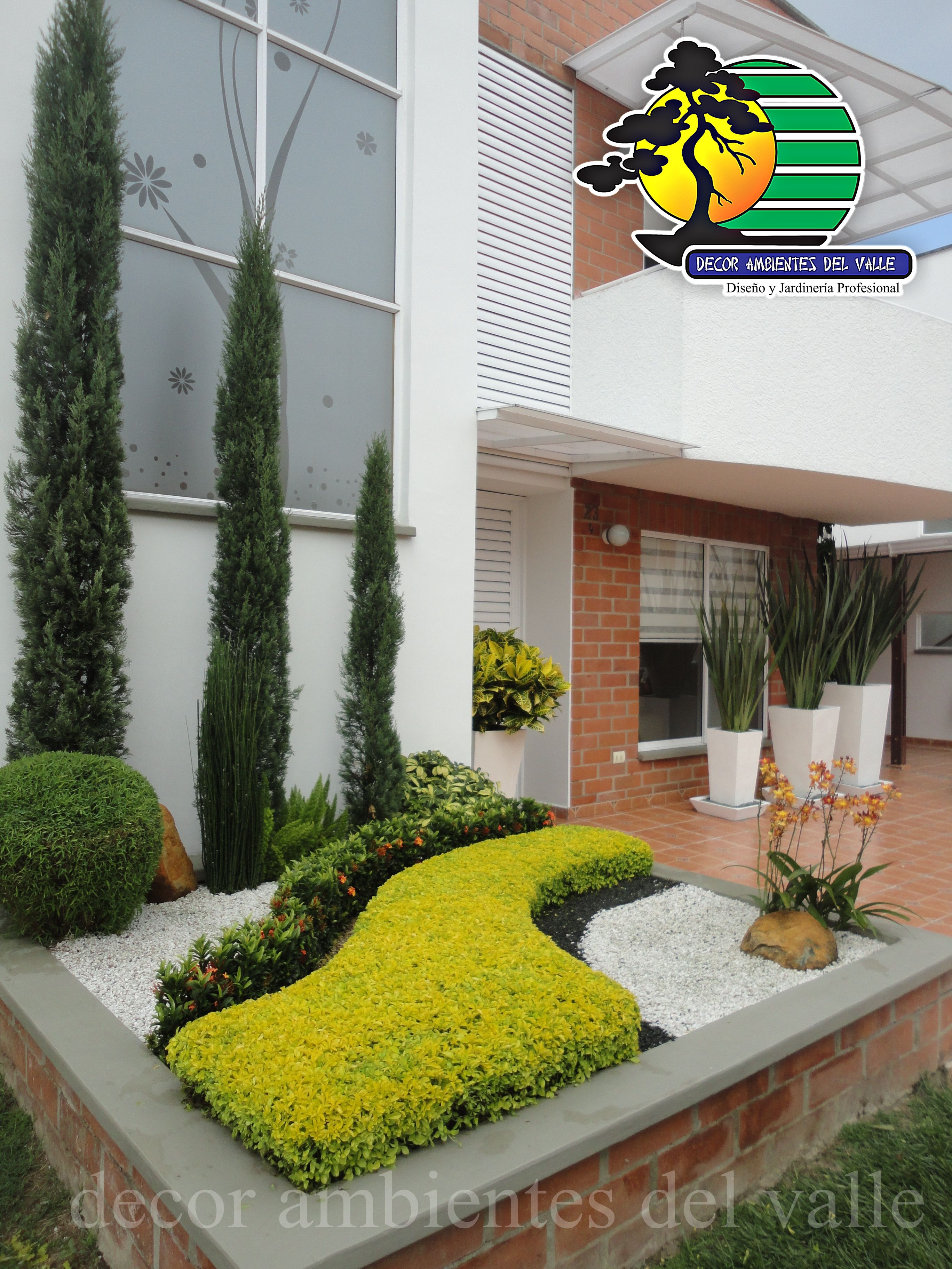 Jard n exterior peque o residencial jardiner a ideas for Ideas jardines exteriores