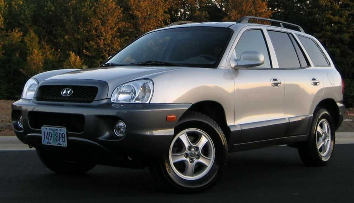 Time For Throwbackthursday With A 2001 Hyundai Santa Fe Tbt Hyundai Models Hyundai Cars Hyundai