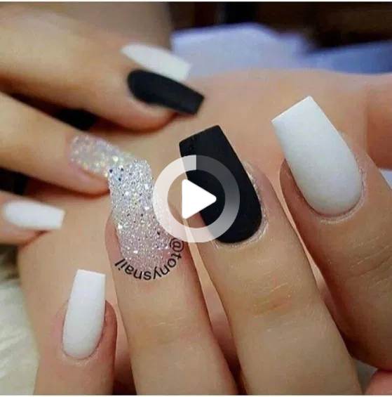 30 Extraordinary Black White Nail Designs Ideas Just For You In 2020 Short Coffin Nails Designs Black And White Nail Designs Coffin Nails