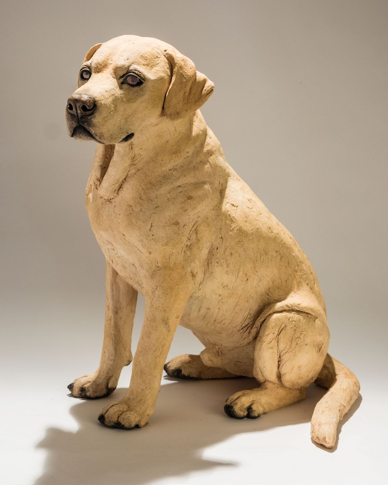 Holz Hund Title Labrador Dog Sculptures Medium Raku Fired Ceramic Size