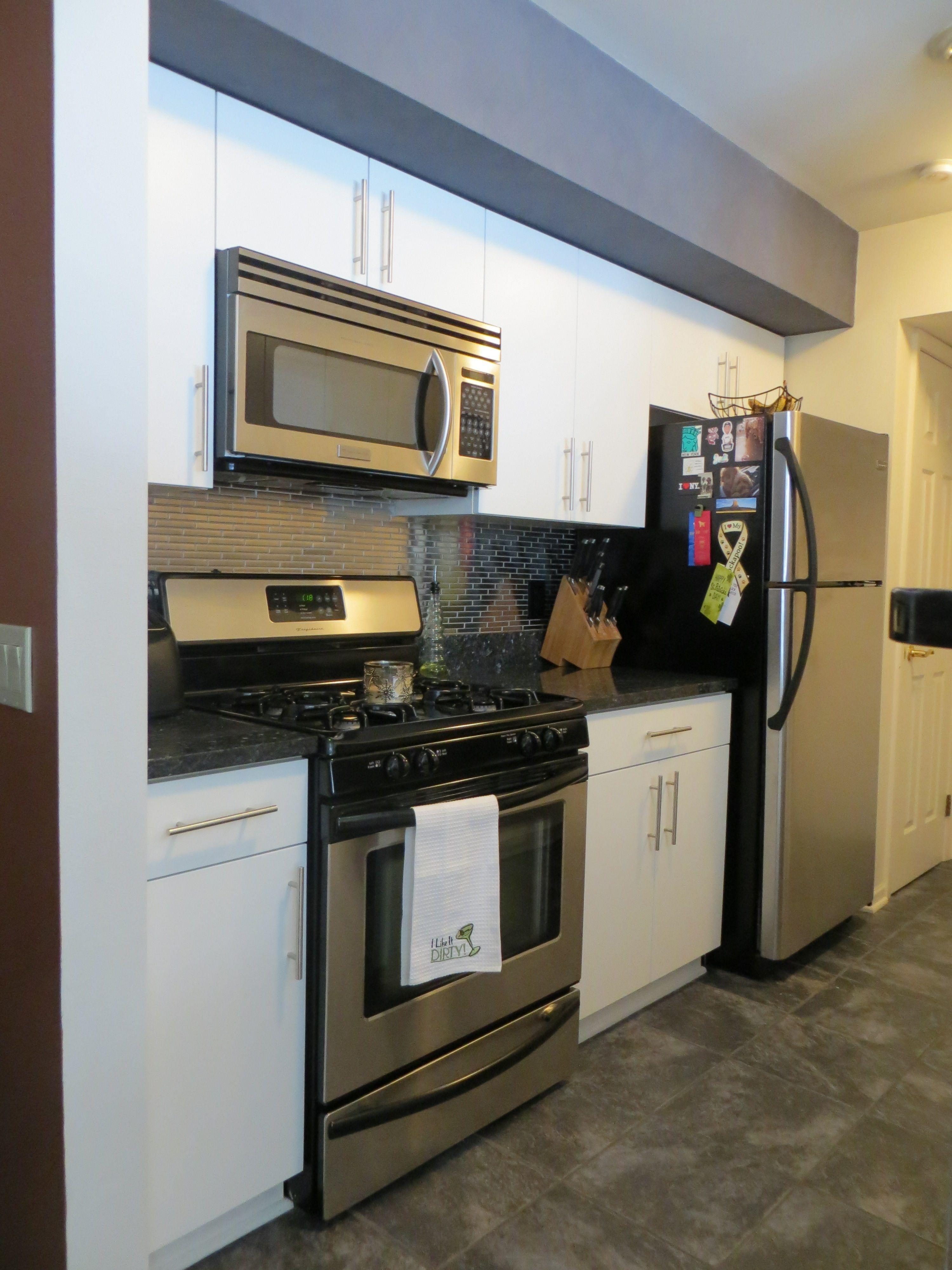 White Rtf Flat Panel Doors Update Frameless Cabinets Kitchen Remodel Frameless Cabinets Cabinet Refacing