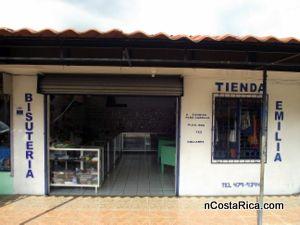 Tienda y bisuteria emilia se encuentra ubicado en la fortuna de san carlos costa rica - Almacenes san carlos ...