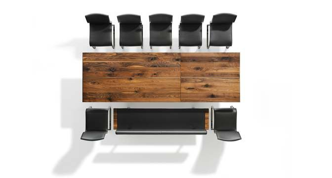 nox auszugstisch von team 7 mit metallkufen die dem tisch. Black Bedroom Furniture Sets. Home Design Ideas