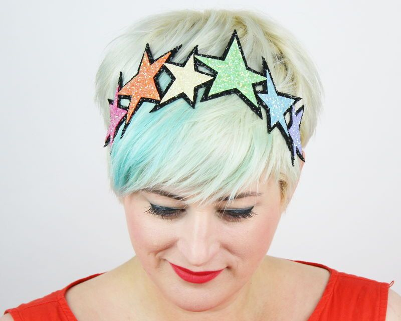Gorgeous Rainbow stars headband! Made in a super sparkly glitter fabric that doesn't go bald or shed tons of glitter all over you.**Colour choice options are for the background colour only.**********************************************************...