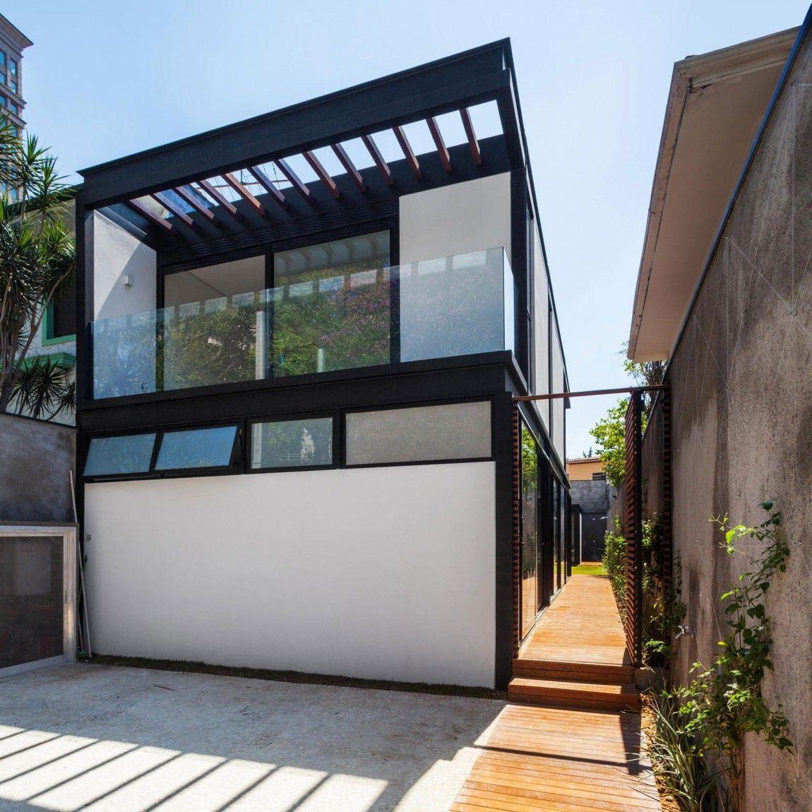 Dise o de casa larga y angosta ambientes interiores lucen - Diseno interior casas ...