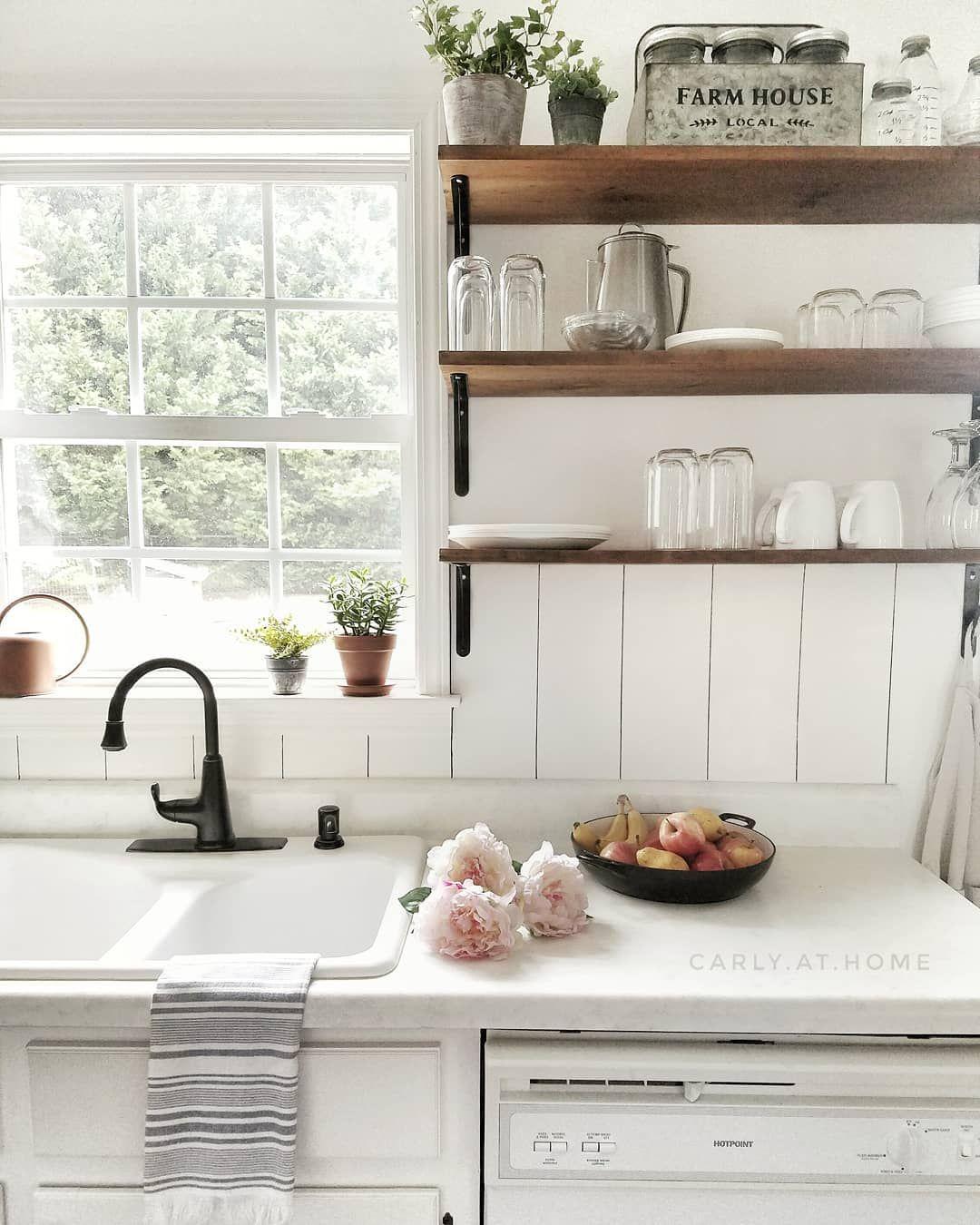 Quaint Farmhouse Kitchen Country Kitchen Countertops Country Kitchen Flooring Kitschy Kitchen