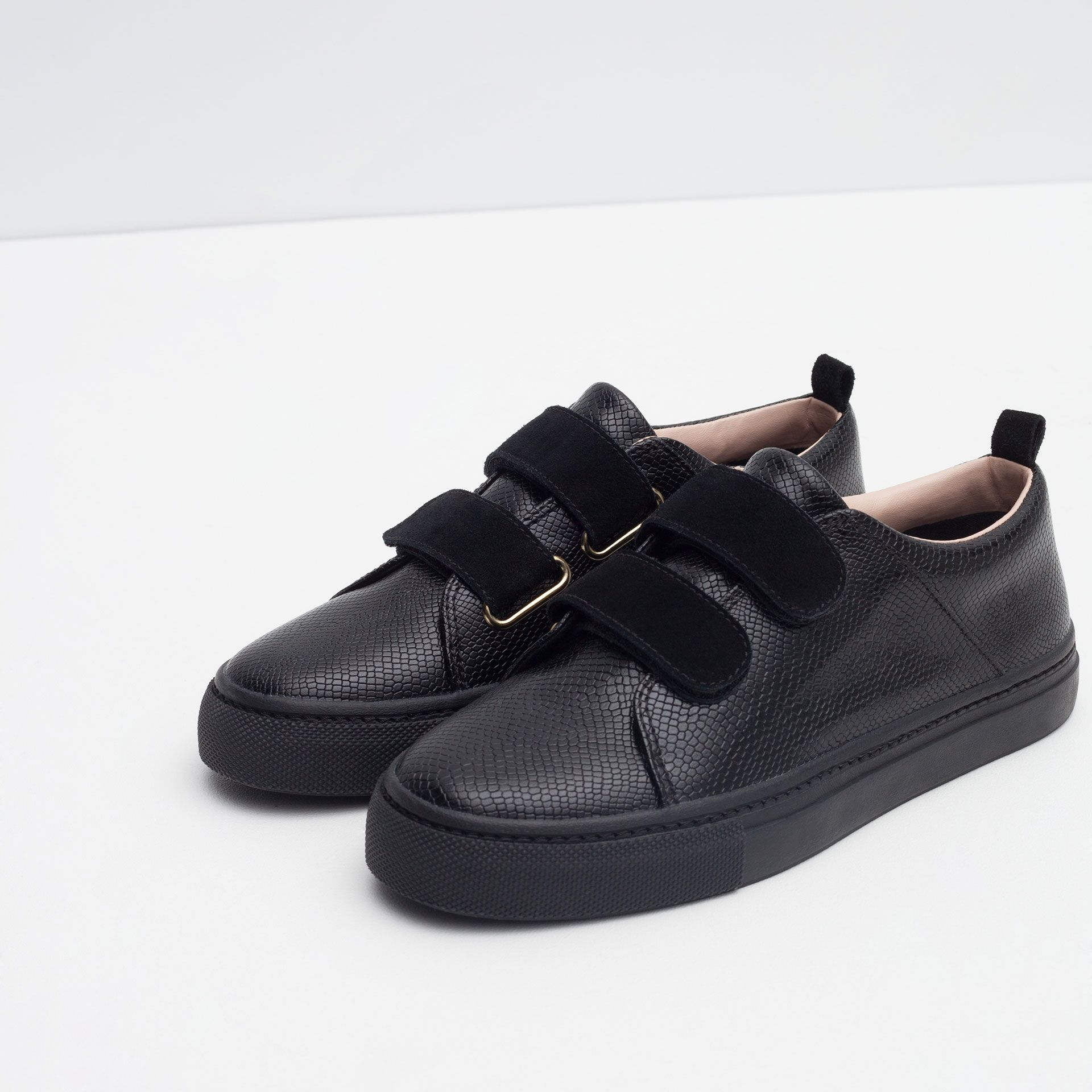 Shop Women's Zara Black size Shoes at a discounted price at Poshmark. EUR 38  US Sold by Fast delivery, full service customer support.