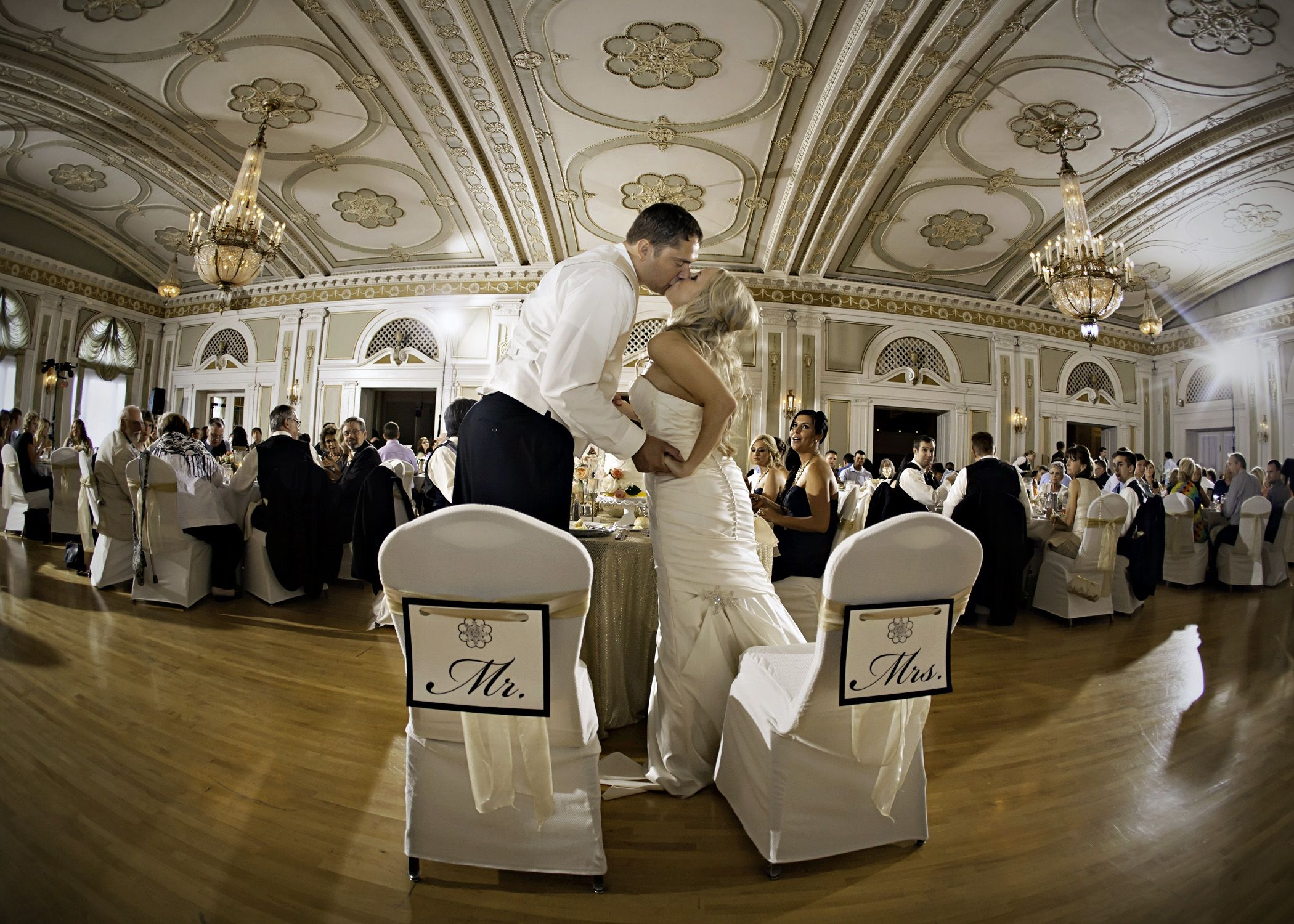 wedding reception places in twin cities%0A Greysolon Ballroom by Black Woods provides Ceremony  u     Reception Venue in  Greater Minneapolis Area  We allow you to request information from  Greysolon