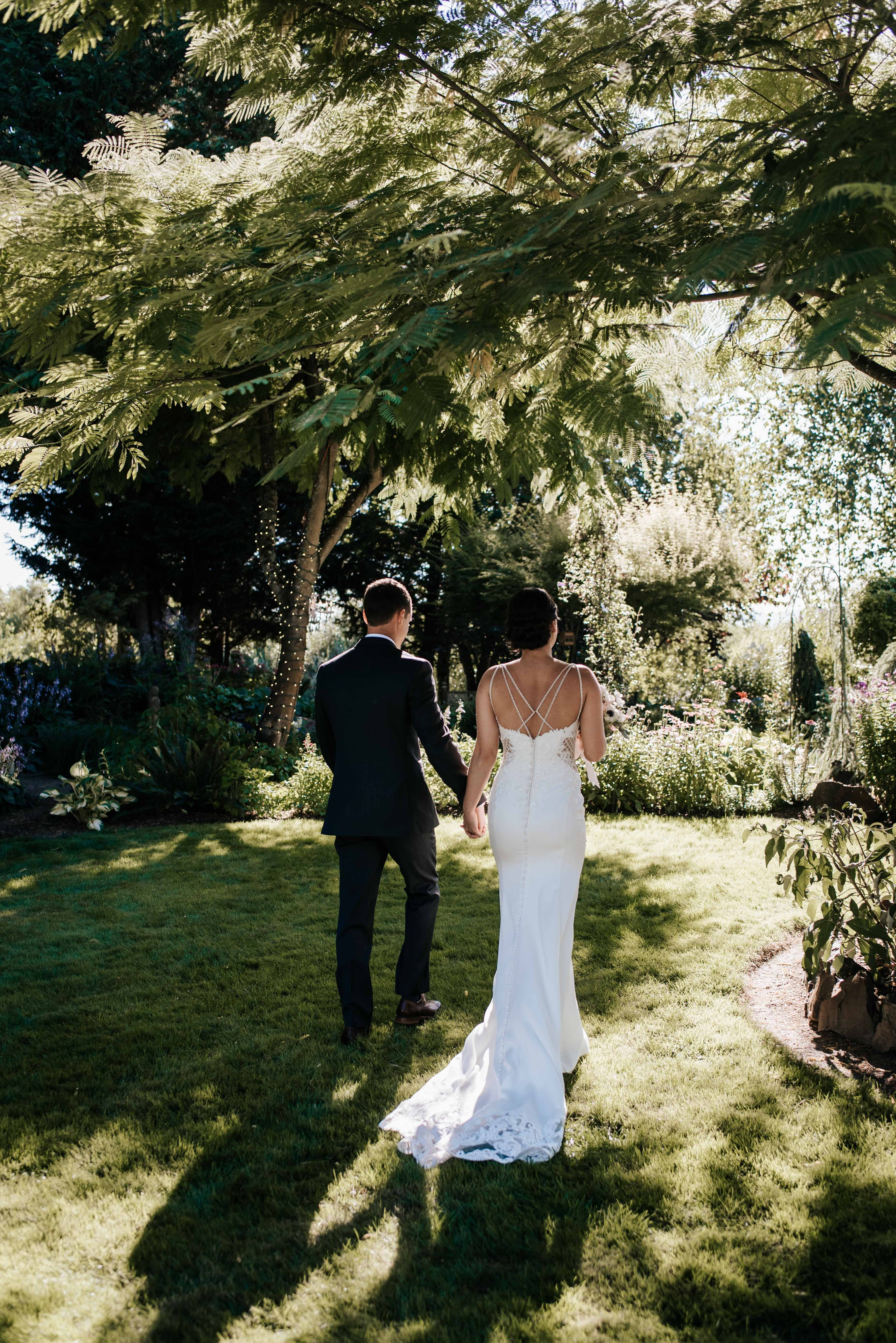 Bend Wedding Photographer Macy And Travis Diy Wedding Hosted Right