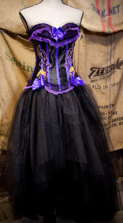 Gothic Prom Dress Tulle Tutu Black Wedding Skirt Purple Burlesque Corset Top 275 00 Via Etsy Gothic Prom Dress Tulle Wedding Skirt Wedding Skirt [ 1500 x 829 Pixel ]
