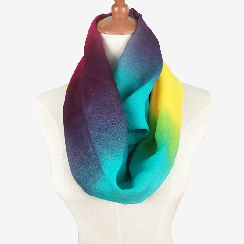 2017 dames foulards femmes tube écharpe motif mince mousseline de soie  foulard femme soie arc en anneau écharpes Infinity d été bandana hijab dans  Foulards ... f60b3eb57ef