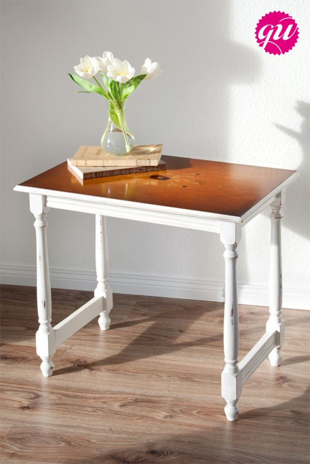 Beistelltische Kleiner Zierlicher Tisch Ein Designerstuck Von