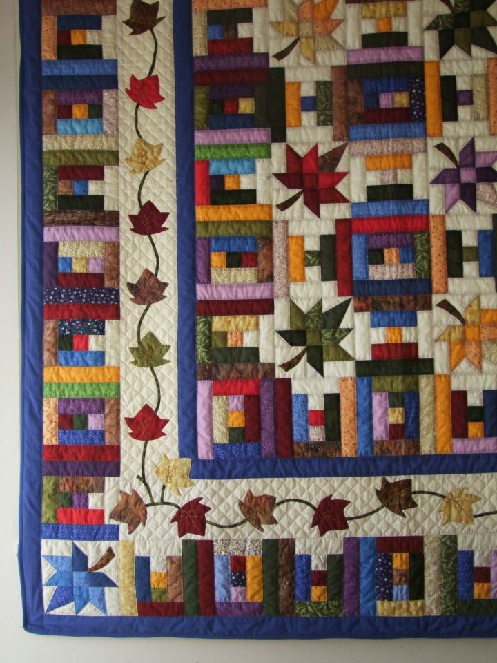 Love The Combination Of Log Cabin And Leaf Blocks Log Cabin Quilt