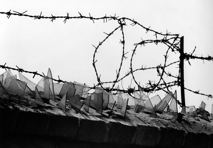 Fantastic German Barbed Wire Fence Photos - Electrical Circuit ...