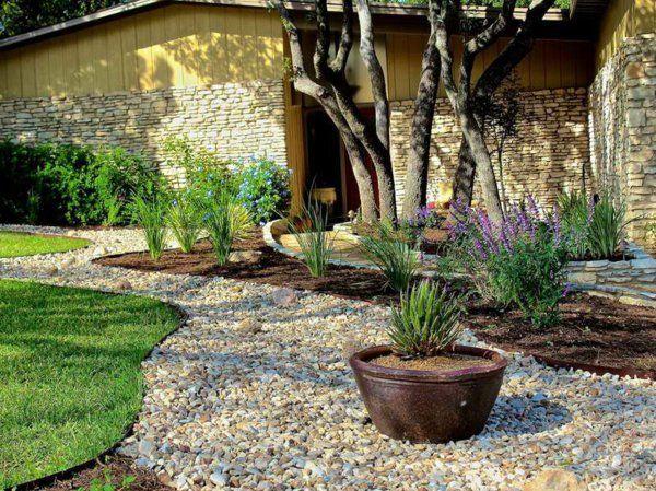 pflanzen blumentöpfe Gartengestaltung mit Kies und Steinen - moderner vorgarten mit kies