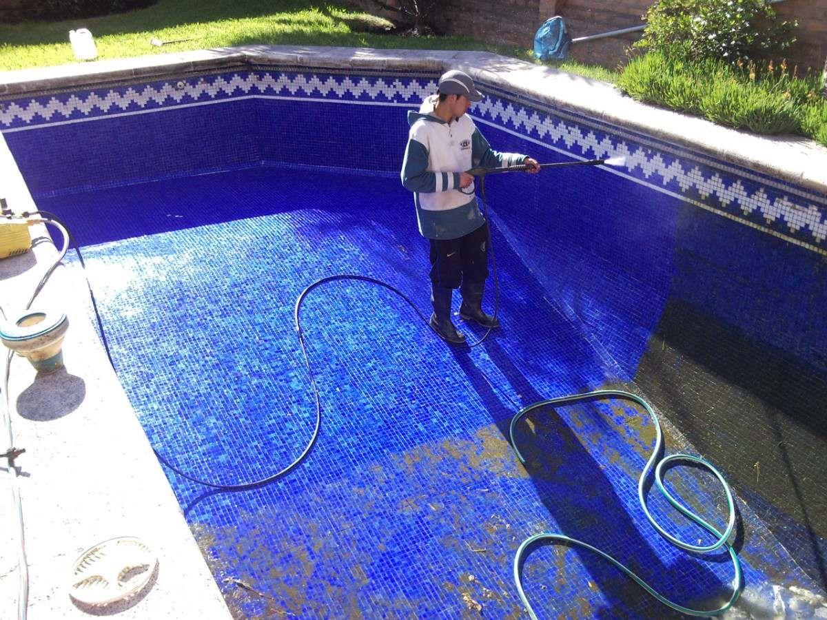 Limpieza de piscina piscinas pinterest mantenimiento for Mantenimiento de piscinas