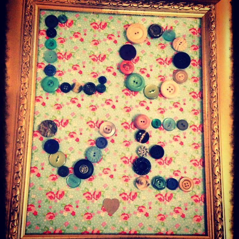 Love buttons! Another #thedistressedrose creation!