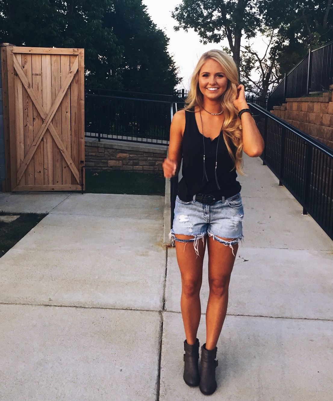 Buy Outfits Country for a concert pictures trends