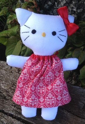 Hello Kitty en tissu patron tuto sur blog #animauxentissu