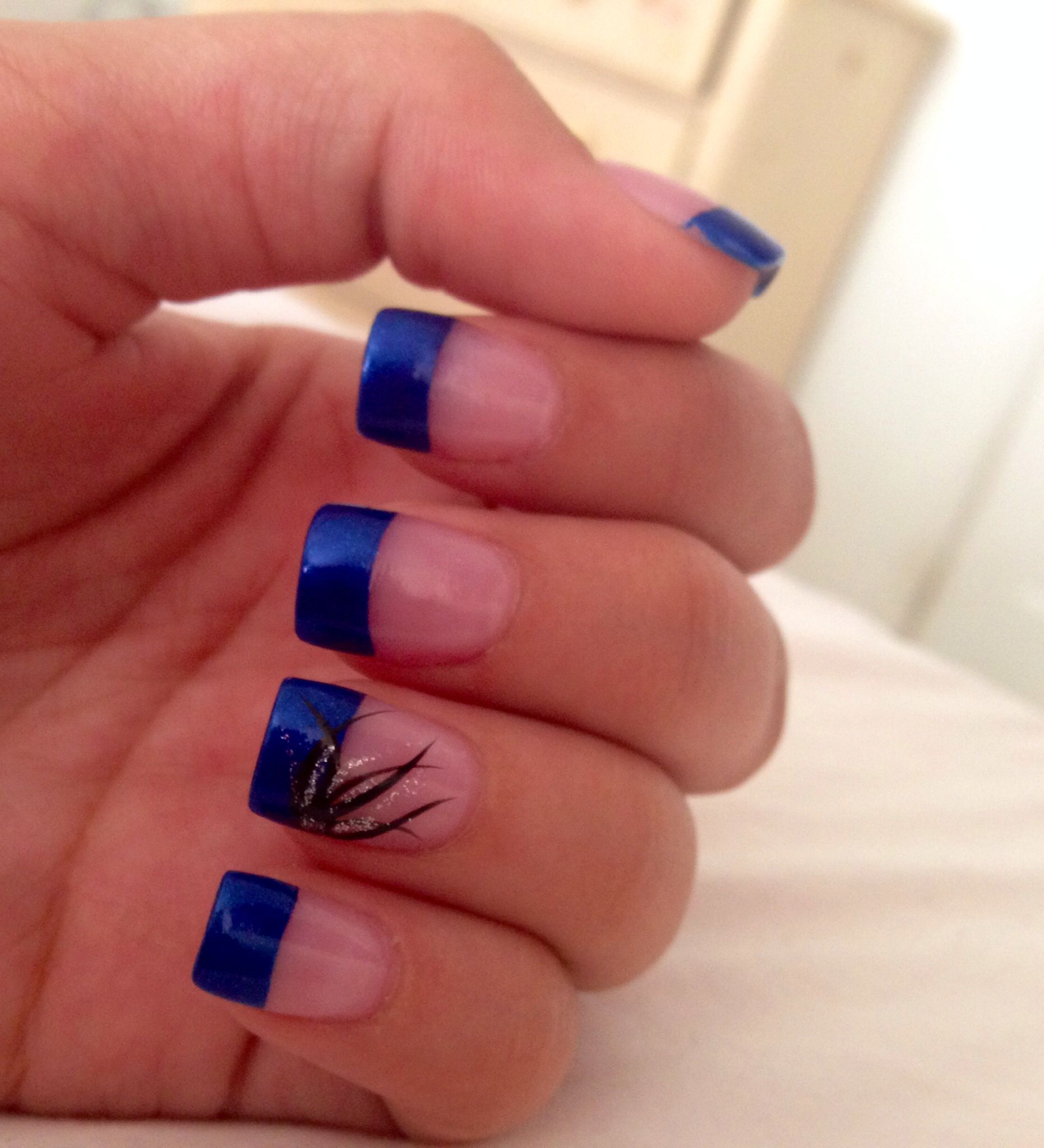 navy blue tip nails