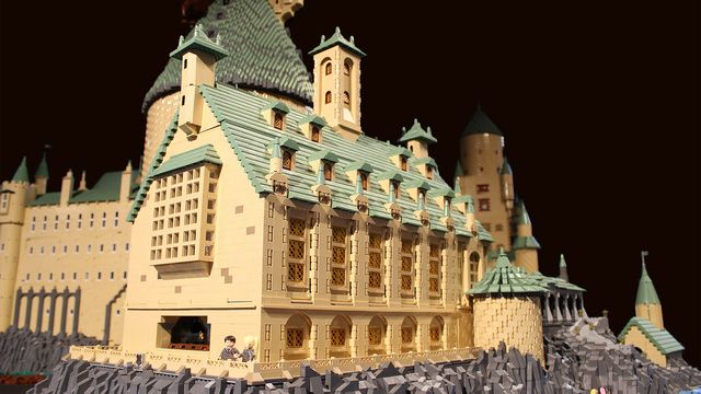 Biggest Harry Potter LEGO creation ever?     This insane 400,000-piece Lego Hogwarts School is larger than Harry Potter himself.
