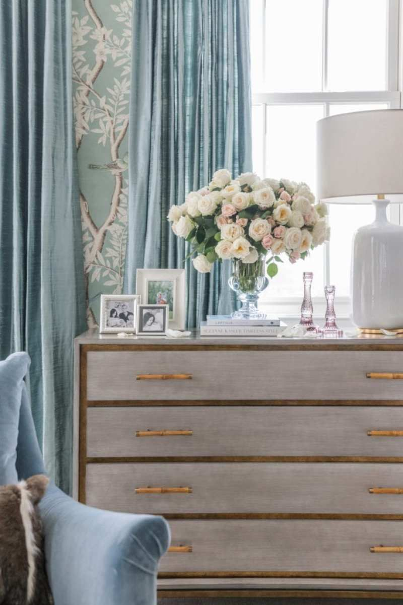 Best At Home With Rachel Parcell In 2020 Glam Master Bedroom 640 x 480