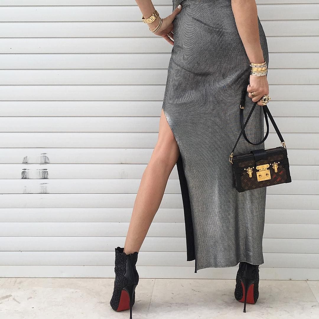 Details - #LouisVuitton dress and bag. #LouboutinRihanini120mm heels. See previous posts for more.