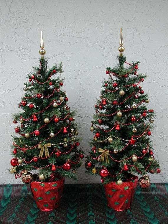 entryway christmas tree tabletop christmas tree fully decorated tree red and gold 50 clear lights 3 ft plus tall topped in gold