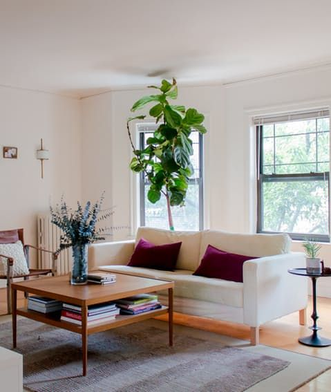 House Tour: A City Dweller Aces DIY in Chicago | Apartment Therapy