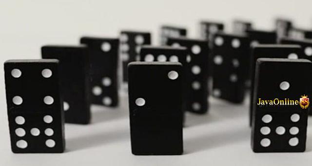 Javaonline88 Domino Qiu Qiu Salah Satu Permainan Taruhan Online Yang Memakai Kartu Domino Jadi Alat Bermainnya Permainan Ini Cukup Terk Poker Mainan Robot