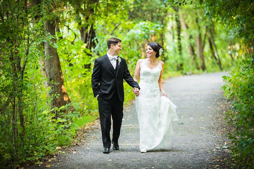 candid Syracuse wedding photography at Green Lakes State Park ...