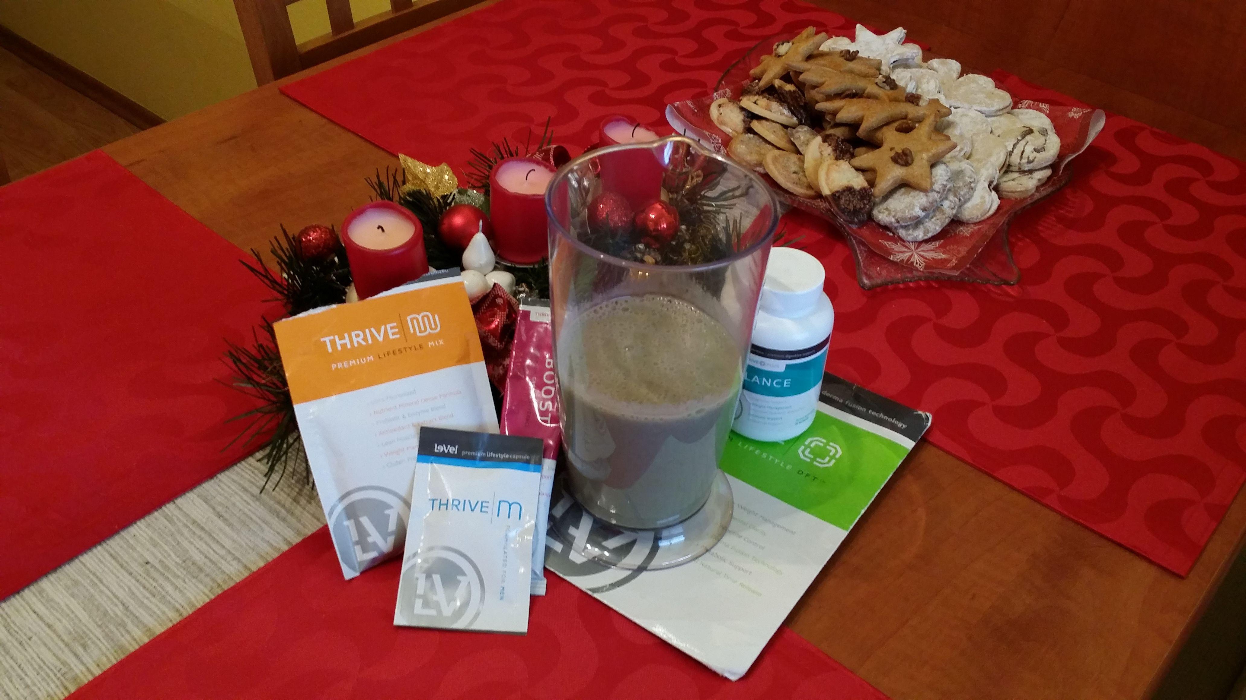 Nie koláče, už im odzvonilo, pekne po starom začínam aj v Novom roku. Moja ranná dávka. Kapsule, banánový shake spolu s Boostom a škoricou. Na záver prelepiť #DFT. Mňam - mňam.  #zdravie #chudnutie #príležitosť #výživa #Thrive http://www.longi.le-vel.com