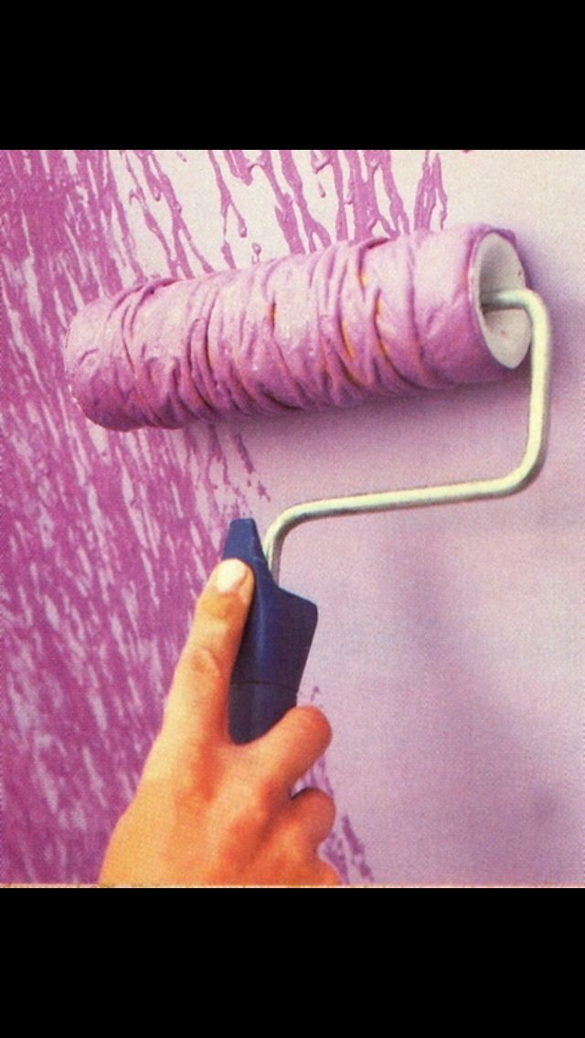 A roller brush wrapped in yarn can give your walls the