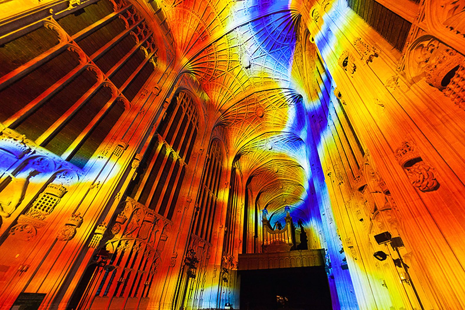 Miguel Chevalier Projects A Universe Of Light Inside A Cambridge - Projection mapping turns chapel into stunning work of contemporary art