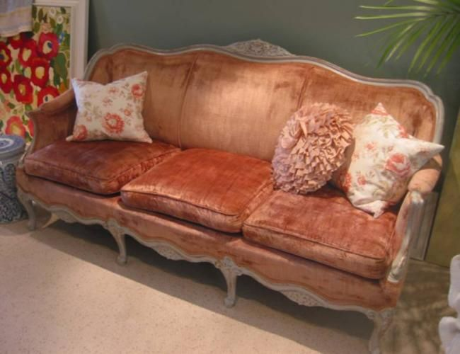 Vintage Pink Velvet Sofa Just Like My Cranberry Sofa But I Want
