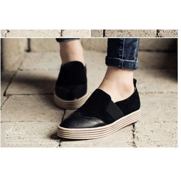Wingtip Platform Loafers (200 ILS) ❤ liked on Polyvore featuring shoes, loafers, loafers moccasins, platform loafers, wingtip loafers, platform loafer shoes and black wing tip shoes