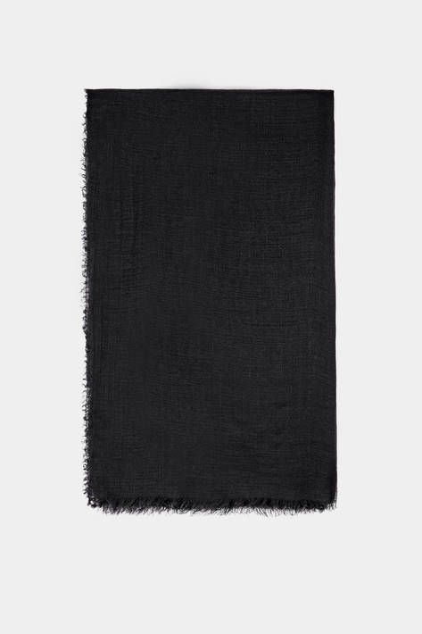 Designed and crafted in Italy from the precious fibers that are a signature of Milan-based Destin, this plush scarf remains incredibly lightweight despite its generous size. The rectangular expanse of silk-infused black cashmere, with gently frayed edges, has been specially treated and finished to ensure a soft touch and a modern look.