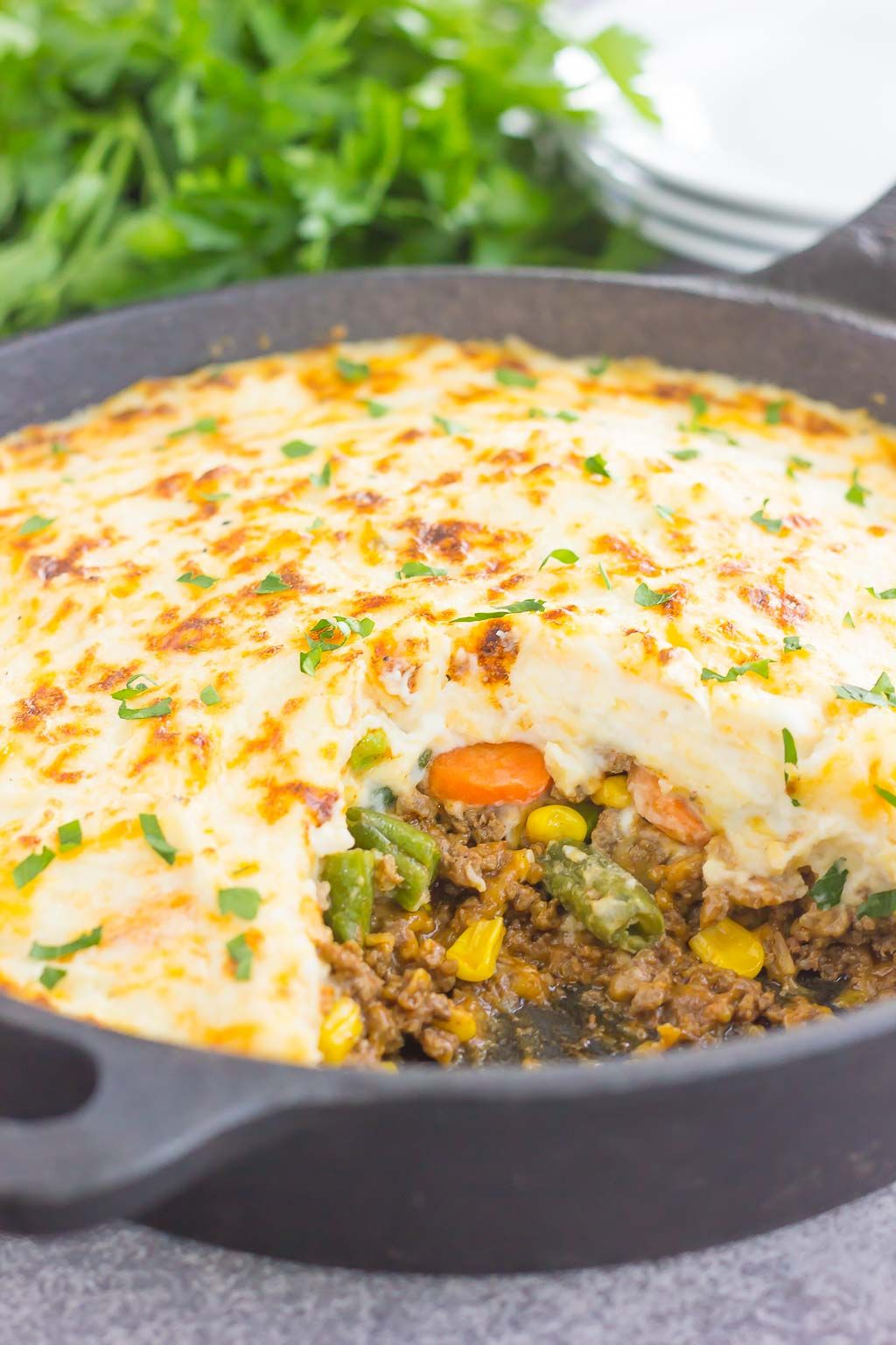This Easy Shepherd S Pie Features A Unique Spin On The Classic Version And Is Ready In Less Than 20 Minutes Loaded With Zesty Ground Beef Recipes Food Cooking