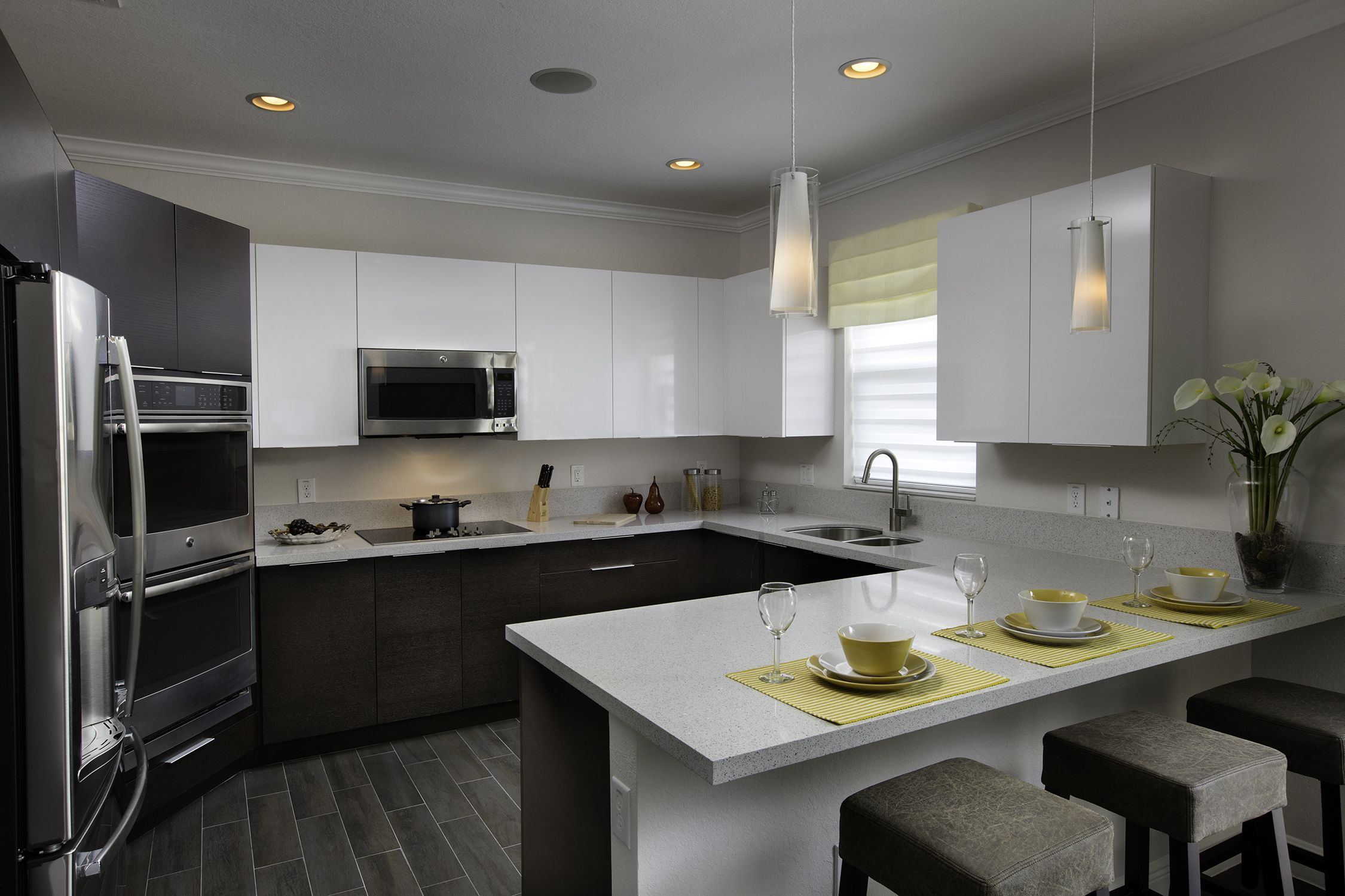 Madison Pointe The Broadway Dreamkitchen Brown And White