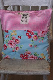 Made by Monique, pillow swap 2010 | by dutch blue