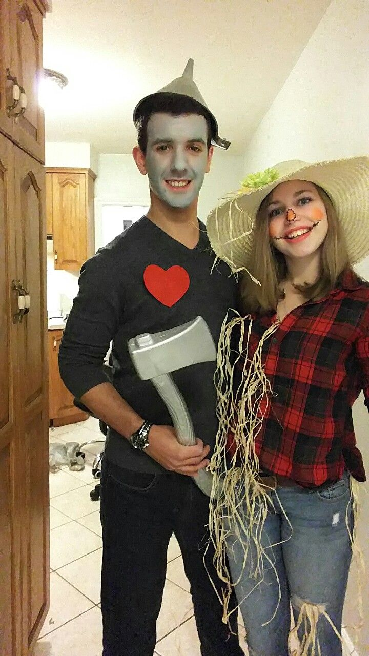 couple costume diy wizard of oz scarecrow and tinman #couplecostumes