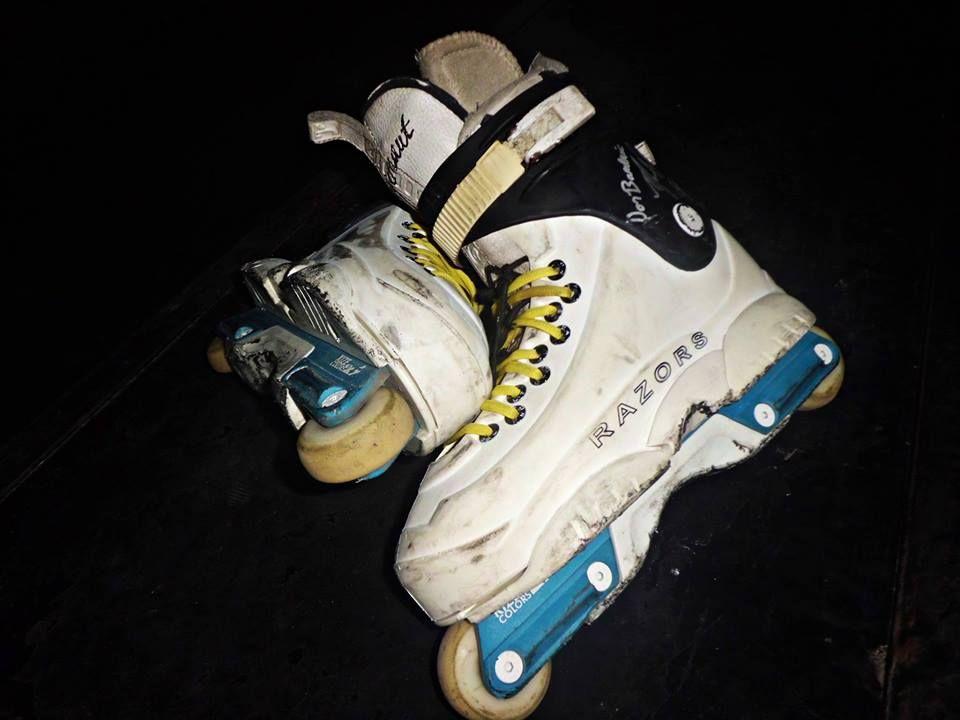 mis alas.... mis patines... mi mayor amor! :3!!