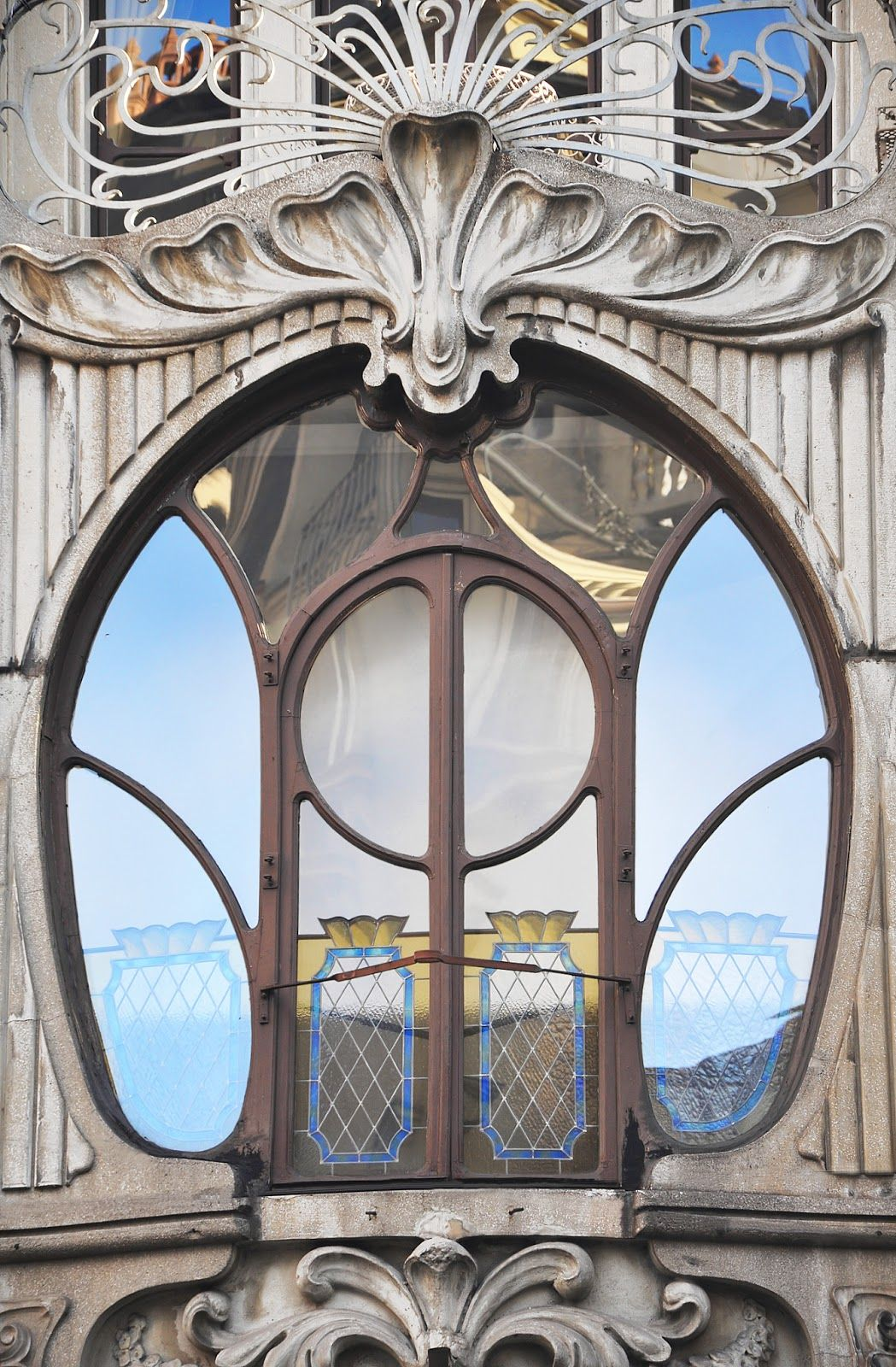 Window At Casa Florio Turin Italy Found Via Pinterest Originally From Here Here Is Your Chance Art Nouveau Architecture Art Nouveau Art Nouveau Design