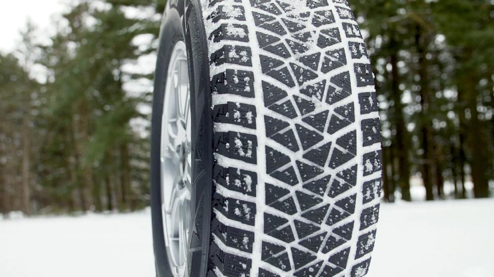 Bridgestone Blizzak Dm V2 265 70r16 Winter Tyres Mid Size Suv Sport Utility Vehicle